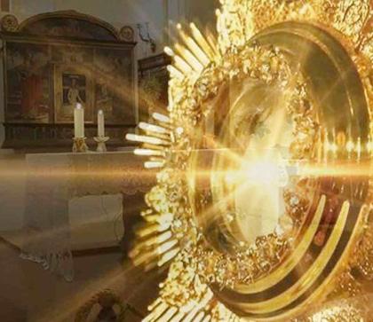 De la Adoración Perpetua a la Oración Perpetua